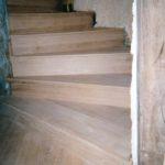 Restauration escalier à vis en bois du XVIIème. Réhabillage en chêne.